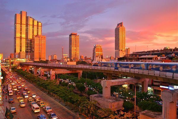 Vé máy bay đi Thái Lan giá cực sốc chỉ từ 560.000 đồng/vé